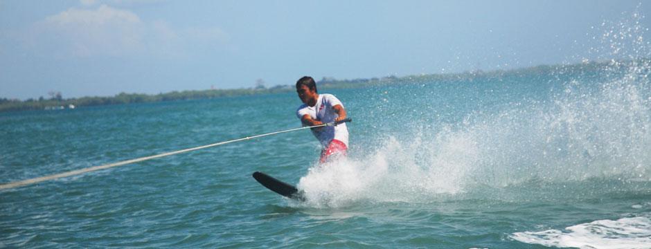 hg-mar-water-ski
