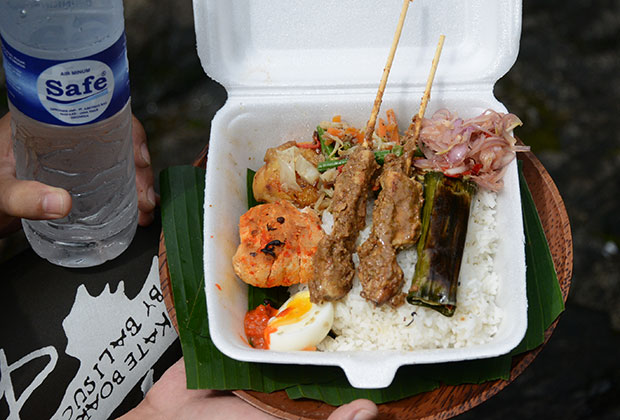 インドネシア料理のランチ