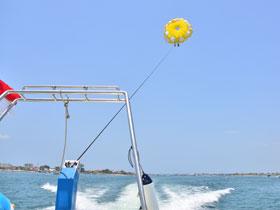 パラセーリング スピードボート