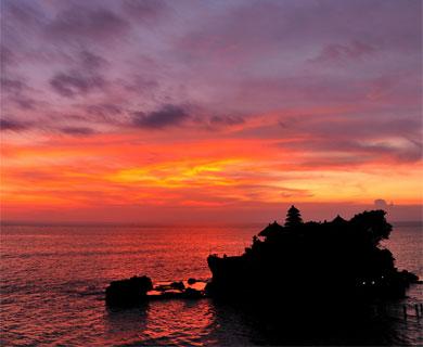 バリ島 タナロット寺院写真