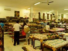 Shopping at WINDHU SARI