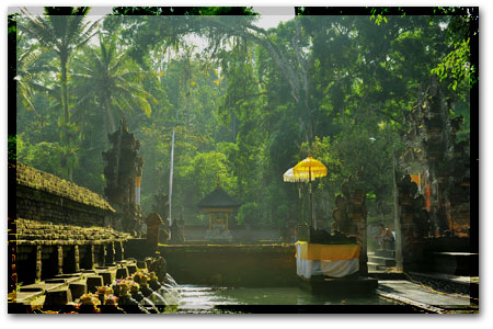 Ancient temple at the sacred river Pakerisan