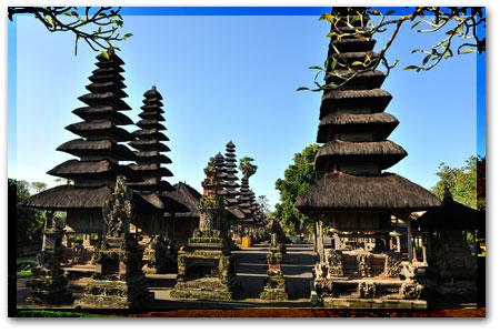 バリ島で最も美しいとされる寺院