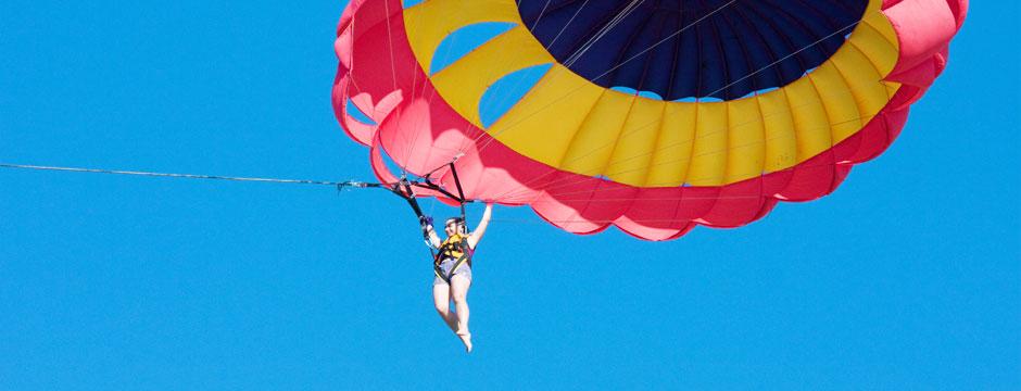 hg-mar-parasailing