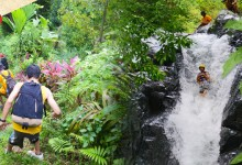 バリ島 観光Adrenalin Max! Trekking at North & Water Fall Slider & Jump ALAM