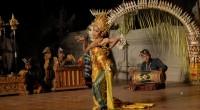 2012年10月12日、レゴンダンスの見られるレストラン、クマンギに行ってきました! こちらのレストランは今年6月に新装移転オープンしたばかりとのことで、ピカピカの建物に インドネシア料理、そしてバリ伝統舞踊と期待が膨ら...