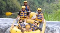 2012年11月17日に4mのボート・ダイブが楽しめるトラガワジャ川で「ALAM 社」のラフティングを体験してきました。キンタマーニ高原周辺の爽やかなサイクリングと、豪快なトラガワジャ川のラフティングが 2...