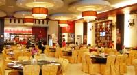 バリ島クタエリアにある中華料理のお店FEYLOON(フェイルーン)は、中華の中でも香港料理のレストラン。JLラヤクタに面していて、シンパンシウールの近く、ケンタッキーの向かいにあります。ご覧の通り広い店内には柱もなく奥ま...