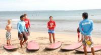 """4月16日にクタビーチにあるPro Surf にてサーフィン初心者スクールを受けてきました。 有名サーフブランド """" ビラボング"""" が手掛けるこのスクール。 某有名旅行サイトでも好評価、好リビュー..."""