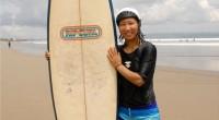 2013年4月9日に、レギャンビーチにある、Rip Curl にてサーフィン体験のレッスンを受けてきました~~。 Rip Curl は数あるサーフブランドの中でも代表的なブランドの一つで、有名な沢山のプロサーファーのスポ...