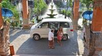 2014年5月15日、この日取材班はヒロチャングループの人気メニュー『到着日プラン』を体験してきました!バリ島に着いて最初の不安はタクシーを拾い、目的地まで行く事。旅行慣れしているサーファー女子でもバリ島の到着ゲートの騒...