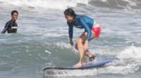 Reporter AYA サーフィン大好き!日本で何度かスクールは受けたことはあるけれど、バリでのスクールは初めて!太陽がキラキラと海を照らしている最高の天気のもと、デコム・サーフのサーフィンスクール/プラ...