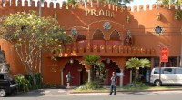 2012年10月26日朝おしゃれなレストランやカフェが通りに並らんでいるスミニャックの、プラナ・スパに行って来ました。宮殿のように大きく目立つプラナ・スパは外観はテーマパークのようで、アラジンが出て来そうな神秘的なスパで...