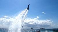 こんにちは!久々に取材の指令が出ました! 2015年7月6日。私達取材班はワコービーチクラブの新商品、フライボードの取材へ行ってきました!フライボードとはヨーロッパを中心に人気沸騰中のスポーツで、ボードから噴射される水の...